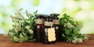 huiles-essentielles-37113412